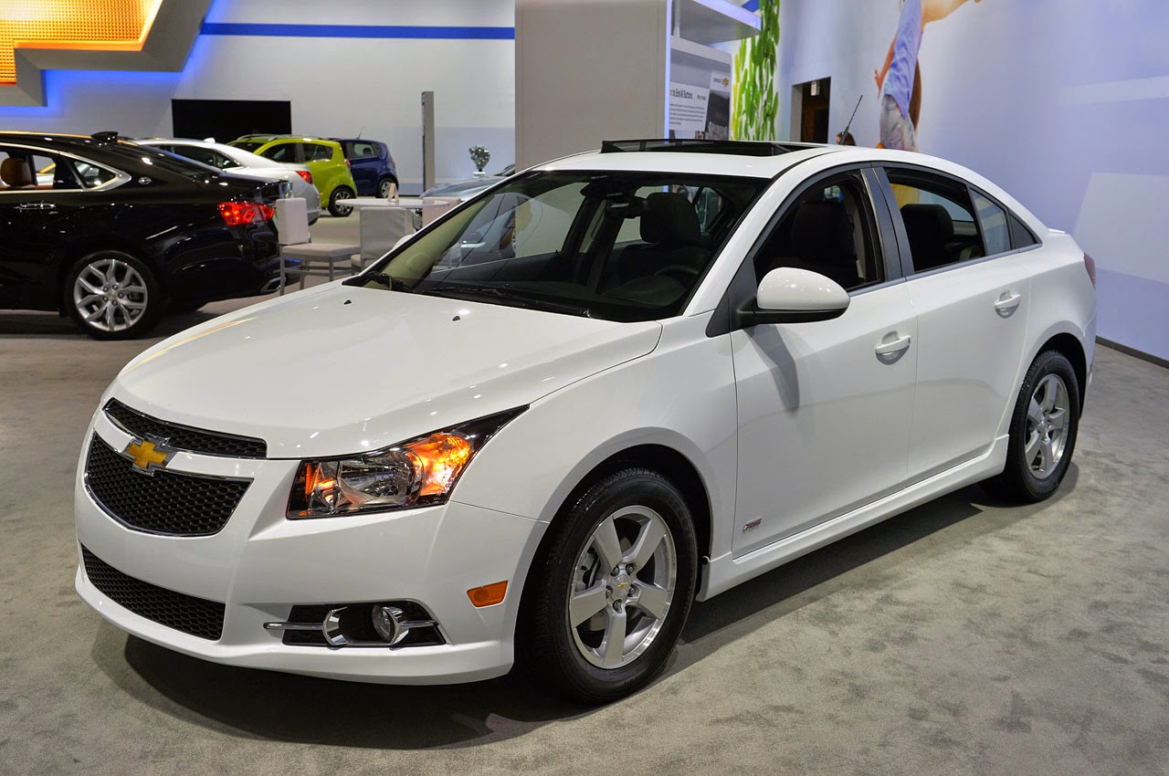 automotiveblogz 2015 chevrolet cruze lt new york 2014 photos. Black Bedroom Furniture Sets. Home Design Ideas