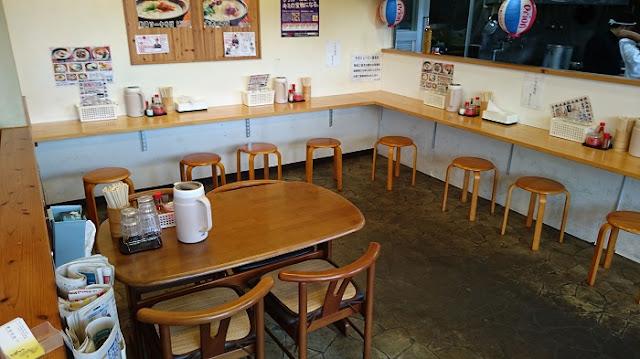 沖縄そば金太郎の店内の写真