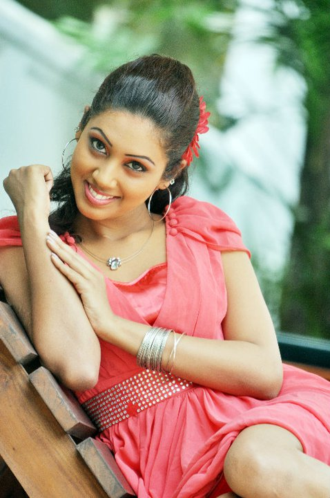 Awesome TV presenter Achala Karunarathne ~ Sri Lankan Stars
