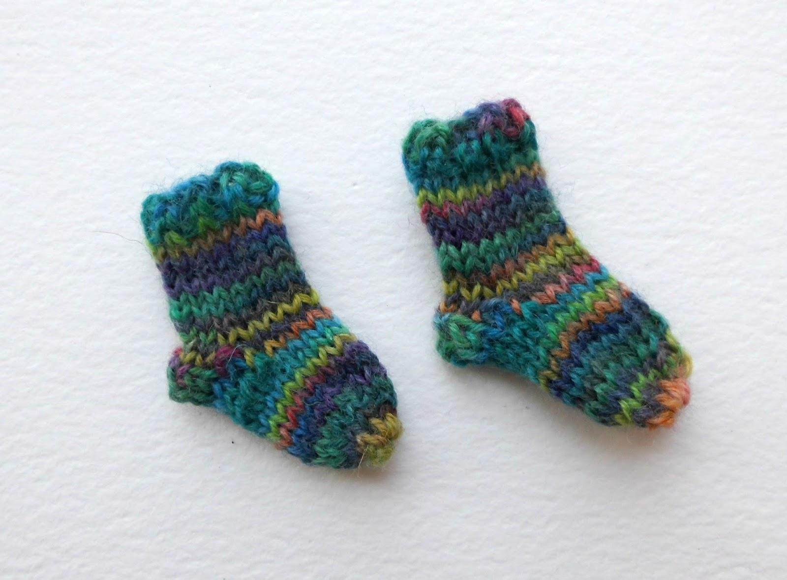 Winwick Mum: Teeny Tiny Sock brooch and bag charm pattern and tutorial