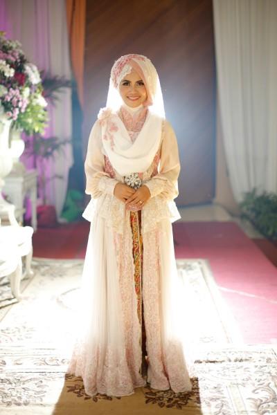 gaun pengantin muslimah syari