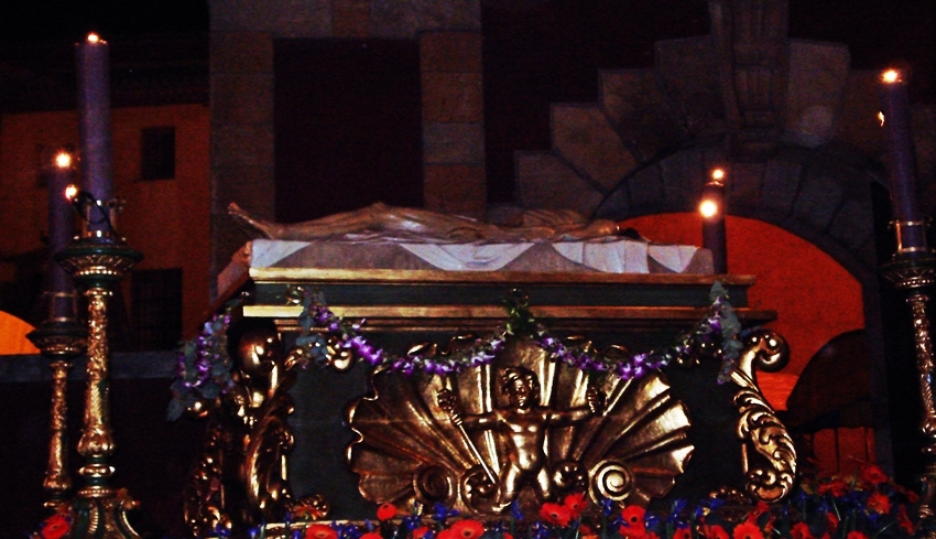 Cristo Yacente. Cofradía de Nuestra Señora de las Angustias y Soledad. León. Foto G. Márquez