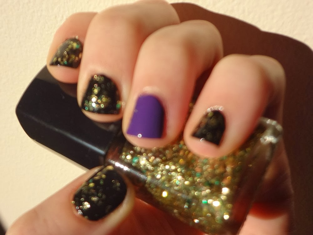 aka Bailey: Witch-Inspired Halloween Nails