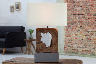 Designova lampa v naturálnom provedení.