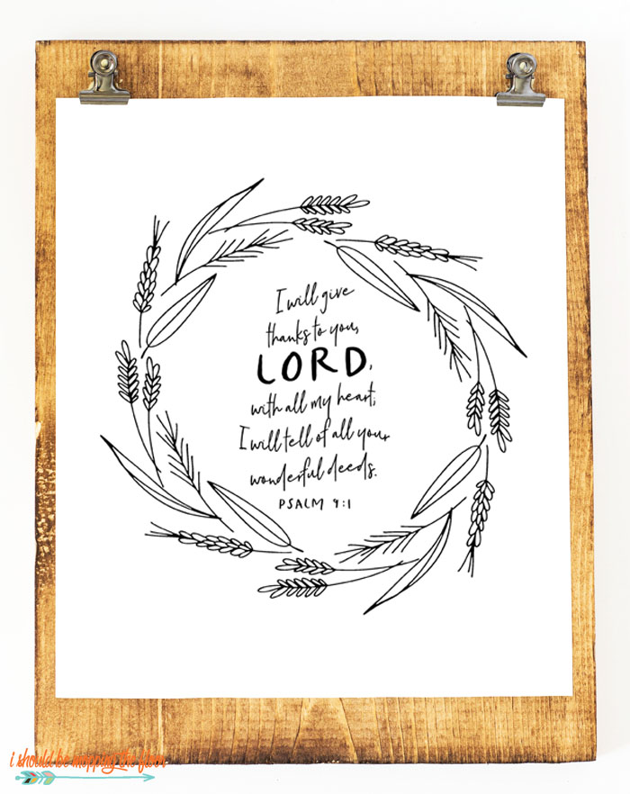 Six Thanksgiving Scripture Printables | These six Thanksgiving scripture printables are simple, lovely line drawings with some beloved Bible verses about thankfulness.