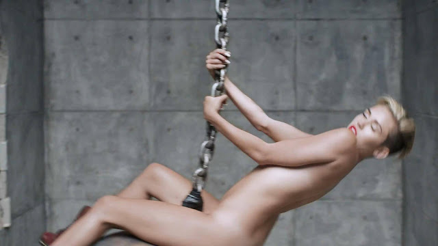 Miley Cyrus stripped to Naked Wrecking Ball