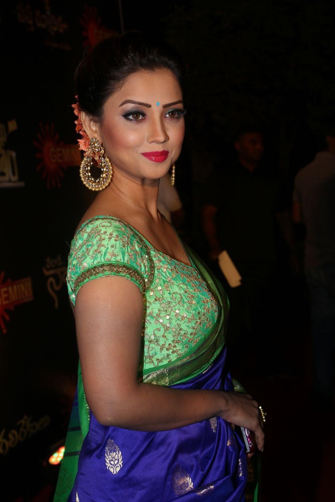 Adaa Khan Naagin Fame Bollywood Tv Serial Actress Hot -8932