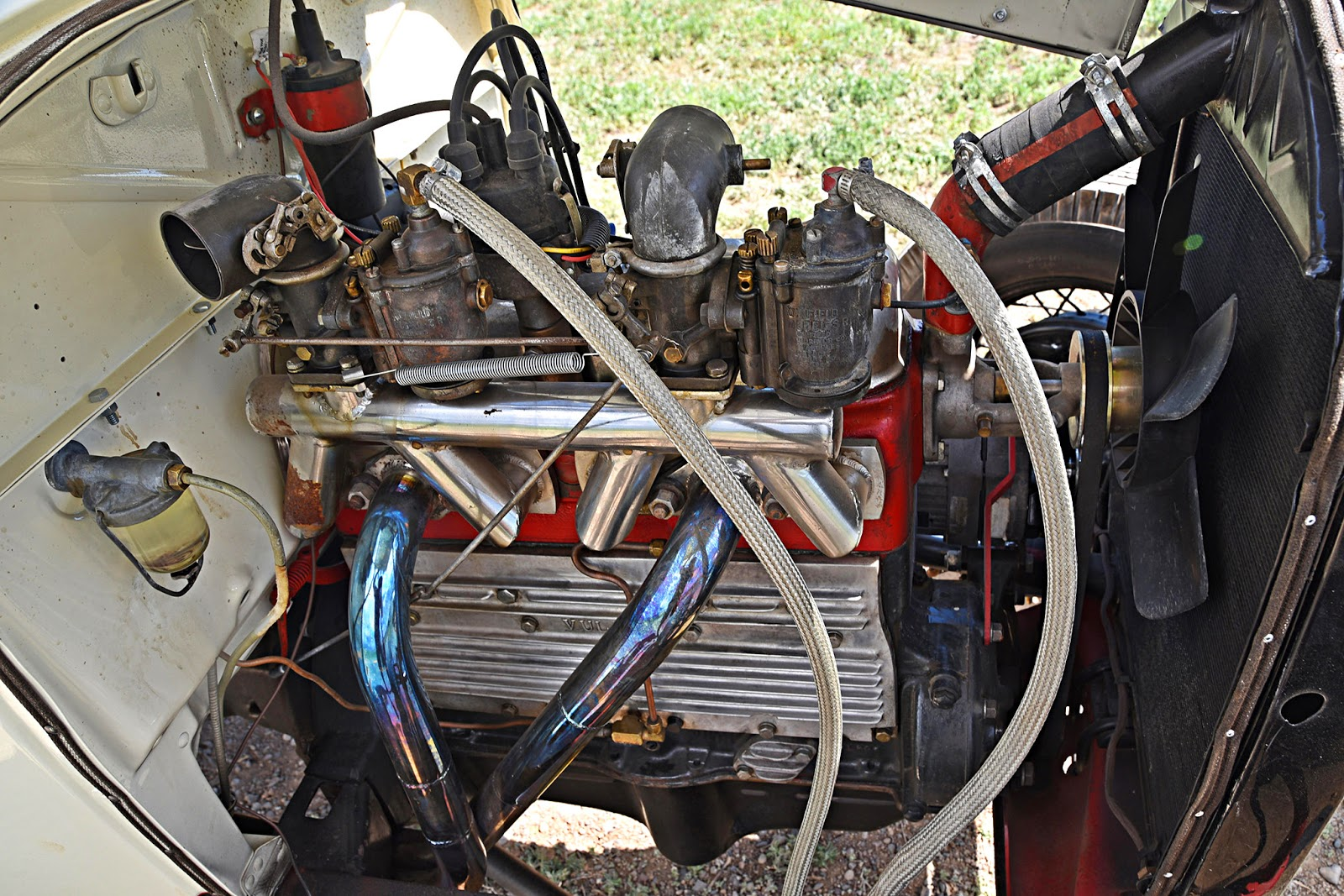 medium resolution of the reverse cam system gives the banger four intakes and two exhausts instead of vice versa kenz even handbuilt the manifold on this motor