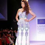 Gauhar Khan ramp walk at Lakme Fashion Week 2014