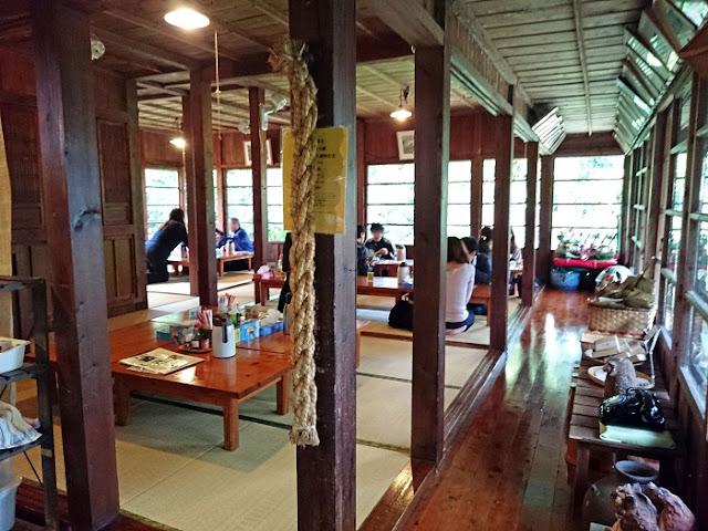 沖縄そばのお店 しむじょうの店内の写真
