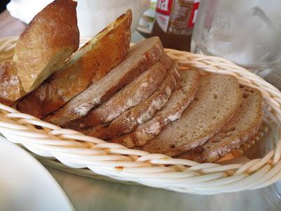 Huber's Bistro, bread