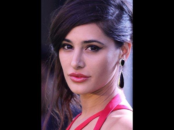 Nargis fakhri  Hot Lips Pics in 2016