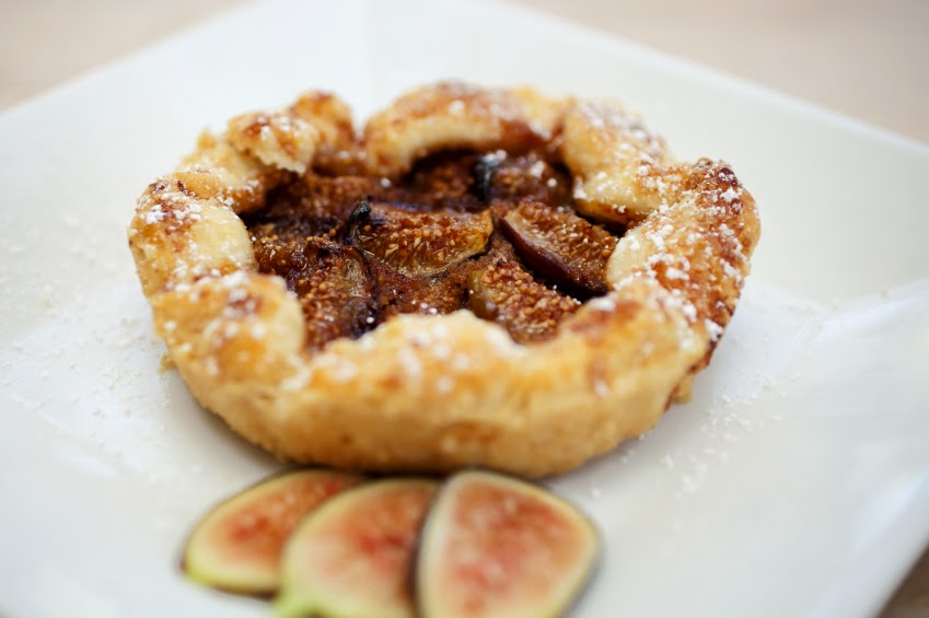 http://theheritagecook.com/baking-with-figs-going-beyond-fig-newtons/
