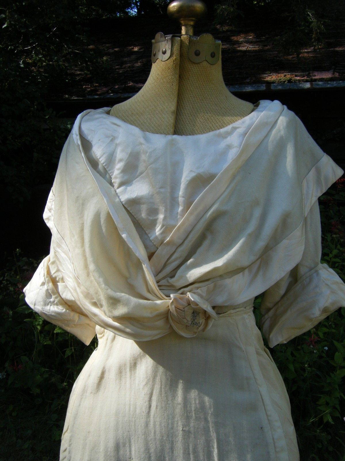 All The Pretty Dresses: Simple But Lovely Linen Teen's Era