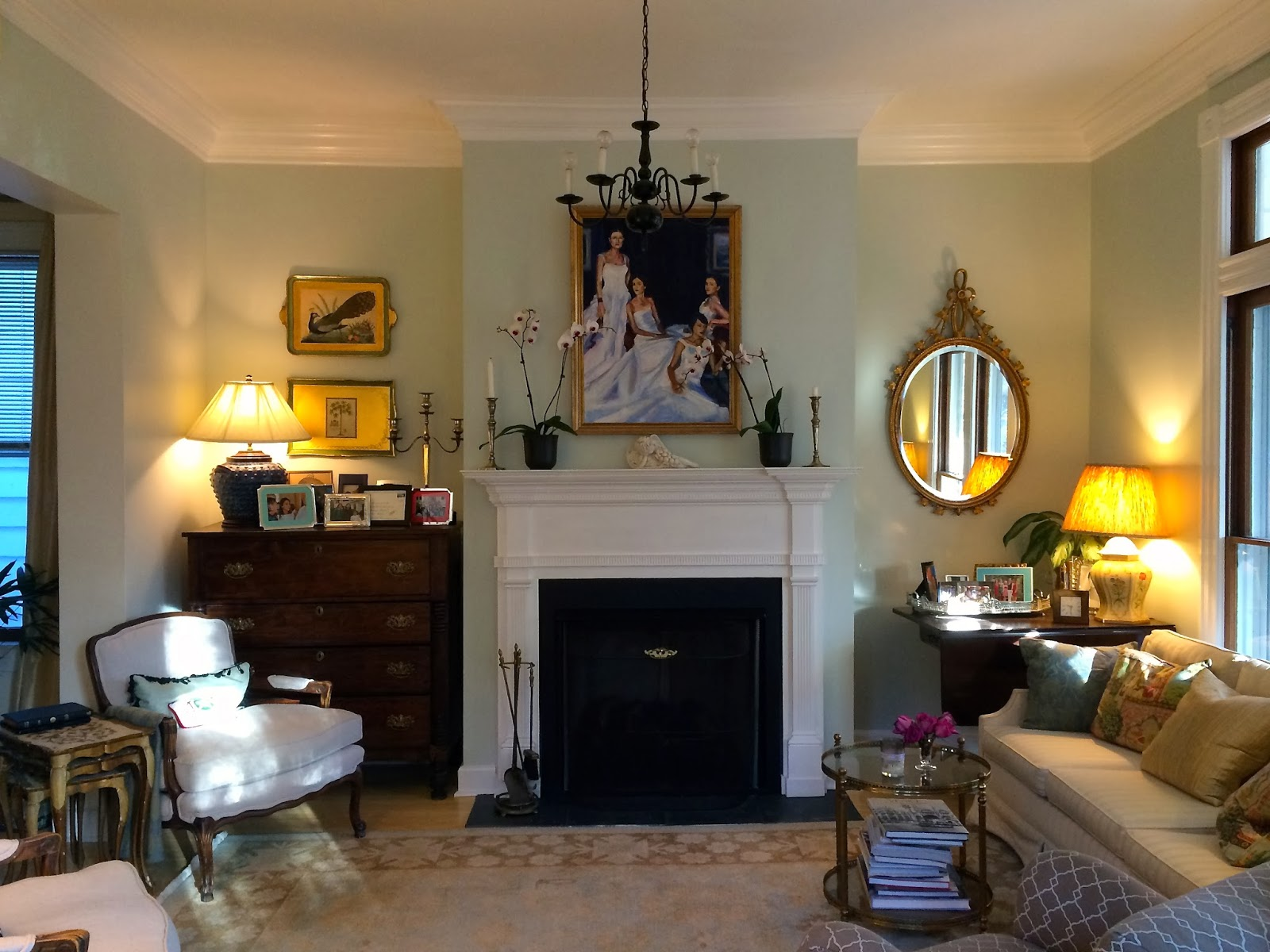 Mel & Liza: Living Room: DIY Crown Molding Before & After