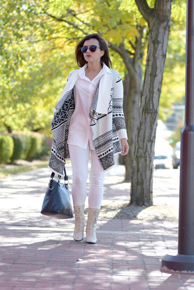 Wearing: Blouse/Blusa: Choies Pants/Pantalones: SheIn Cardigan/Sobretodo: Choies Boots/Botas: Ana Bag/Bolso: Rampage