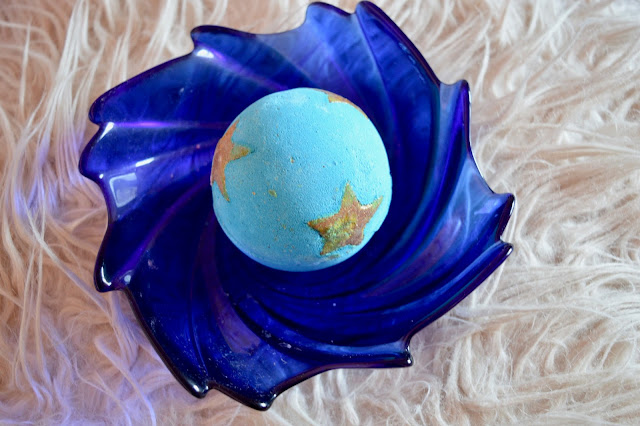 lush shoot for the stars bath bomb review
