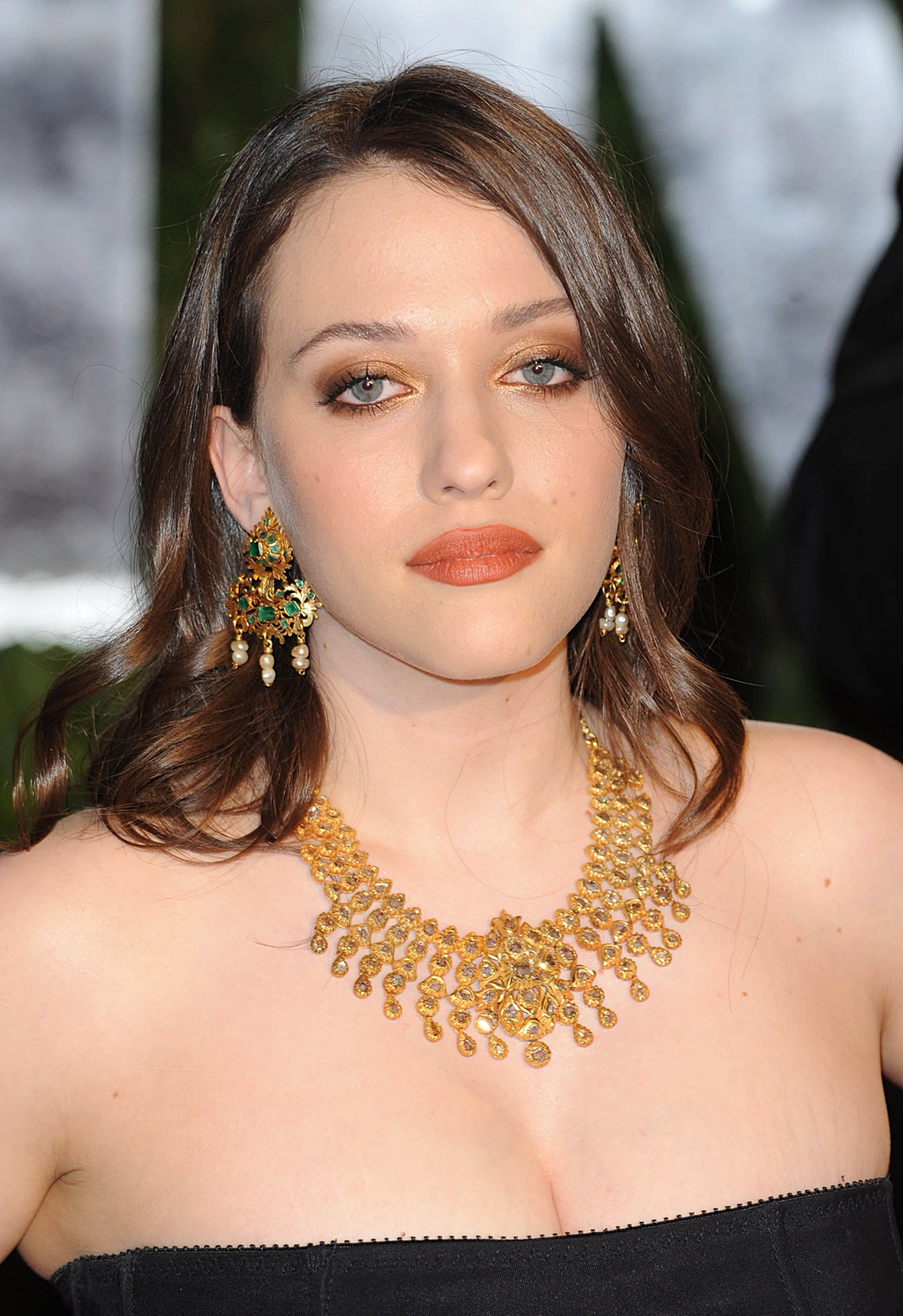 Central Wallpaper: Kat Dennings HD Wallpapers