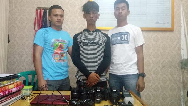 Tersangka pencuri kamera saat di Satreskrim Polres Asahan.