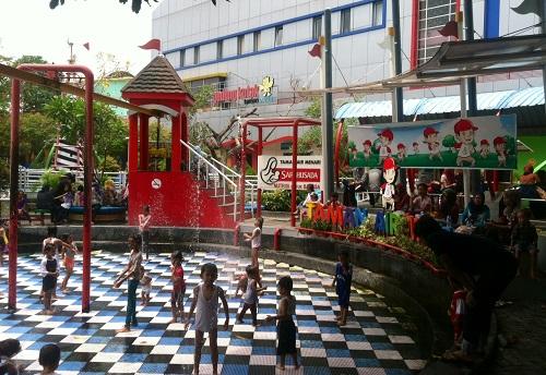 Taman Pintar Yogyakarta Laboratorium Bernuansa Rekreasi
