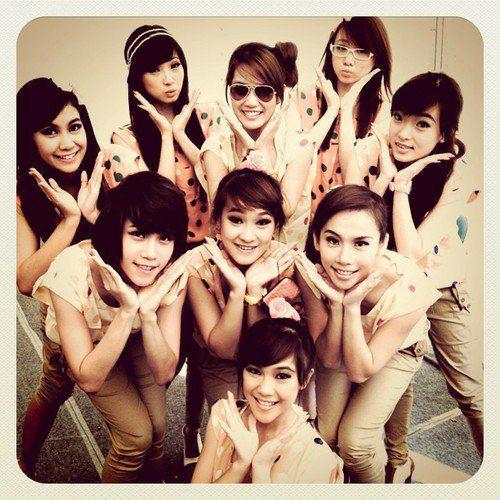Cherry Belle Indonesia: CherryBelle Indonesia: Cherrybelle Lirik Dunia Akting