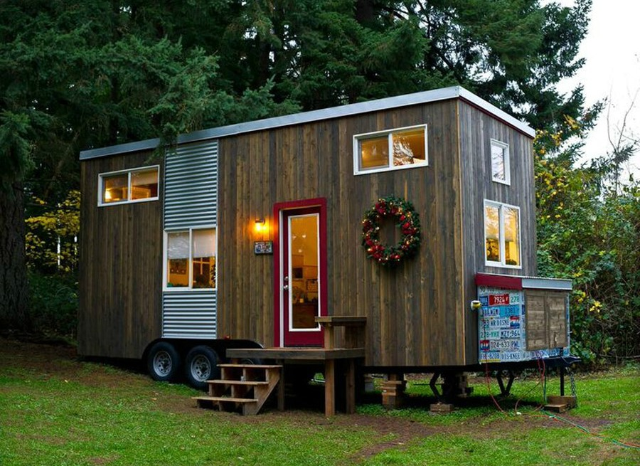 tiny house town rustic diy tiny house in oregon 144 sq ft. Black Bedroom Furniture Sets. Home Design Ideas
