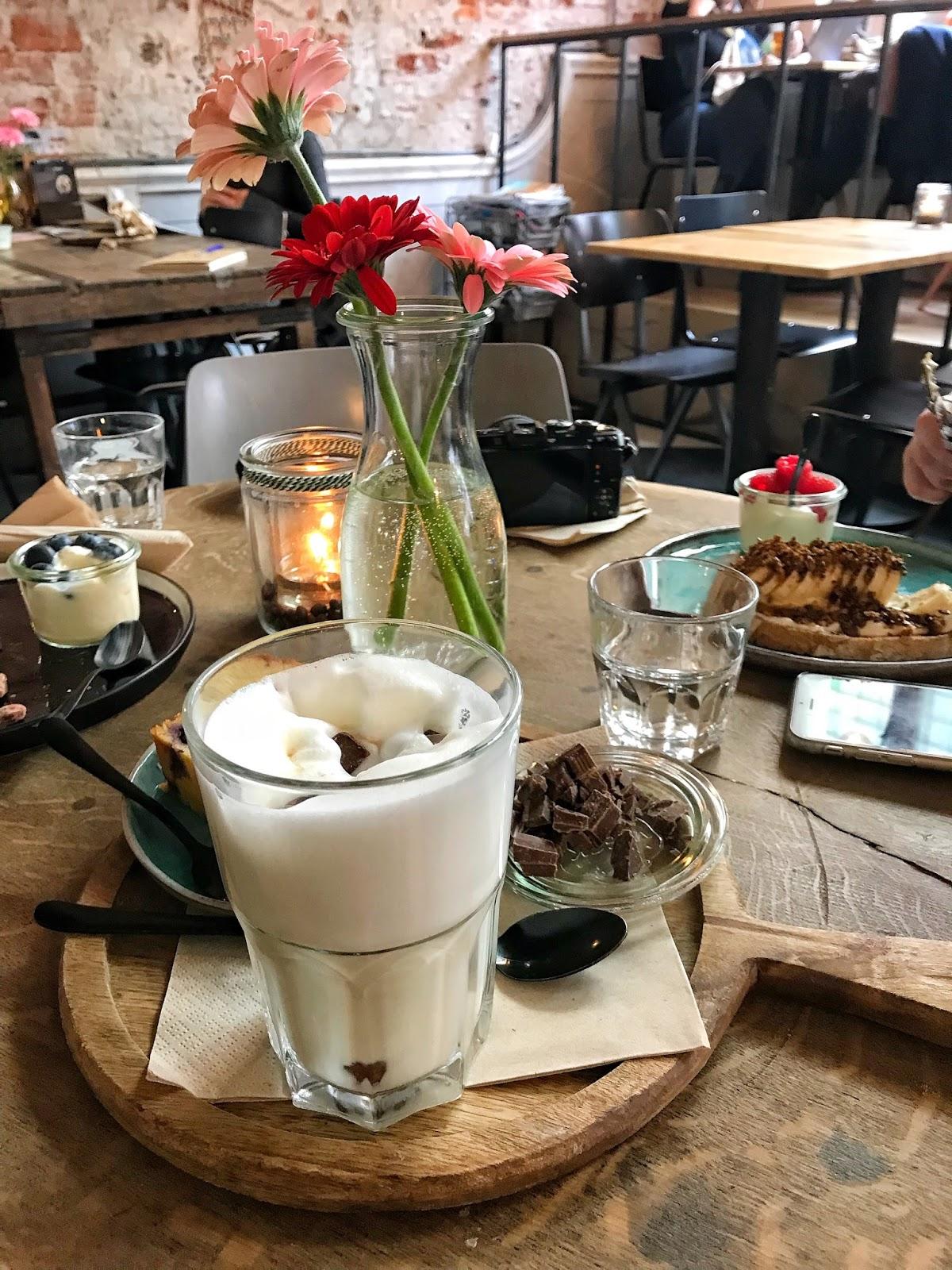 Brunch at Yogurtbarn Den Bosch