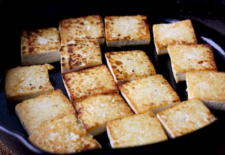 Pan Fried Tofu with Spicy Korean Sauce by SeasonWithSpice.com