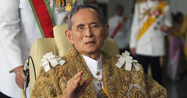 O rei da Tailândia, Bhumibol Adulyadej, morreu aos 88 anos nesta quinta-feira (13) no hospital onde estava internado em Bangcoc