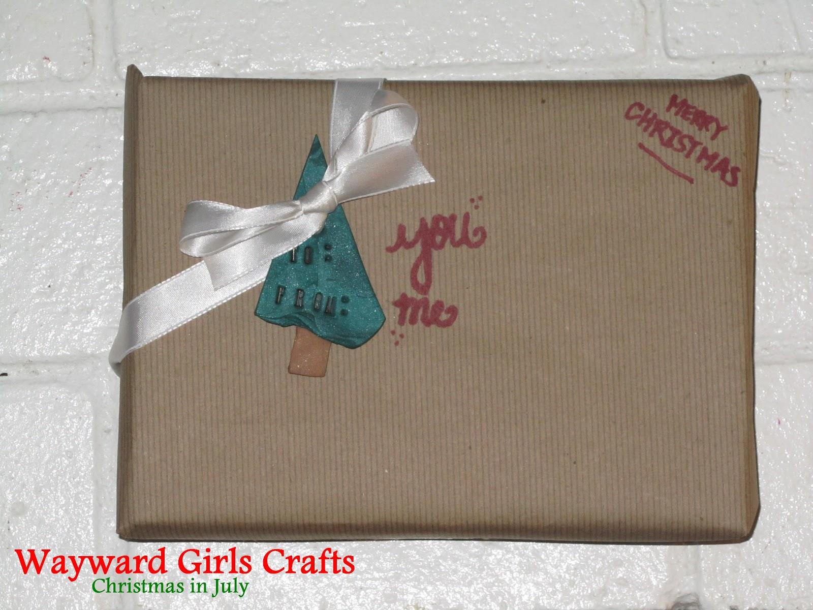 Christmas In July Gift Tags.Wayward Girls Crafts Christmas In July Gift Tags