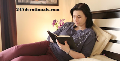 Daily Devotional for Women- Women's Devotional Bible