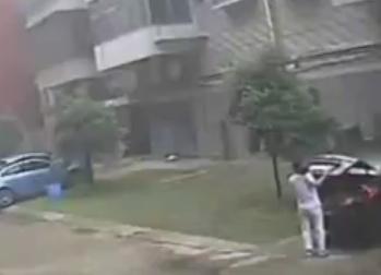 Mata a su Hija de 7 y Después se Suicida