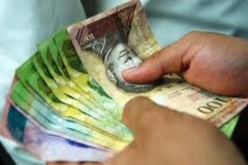 Gobierno de Maduro contrata proveedor de papel moneda en EEUU
