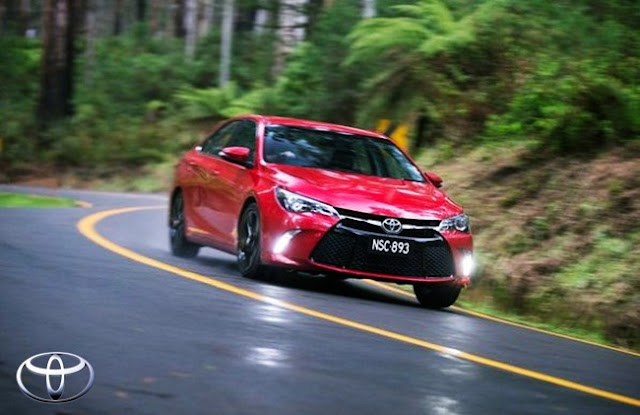 2015 Toyota Camry Atara S Specs and Features