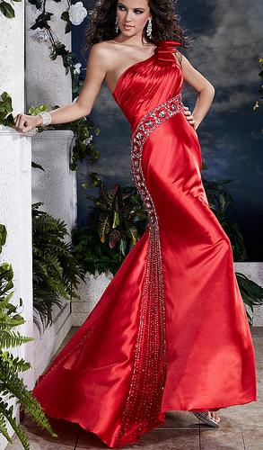 3c254a9b1fc Ultra glamour γυναικεία ρούχα - Όταν η μόδα φτάνει στα όριά της ...