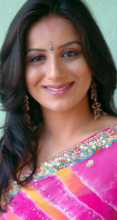 Pooja deol biography,age,pooja deol and sunny deol wedding,wife pooja deol photos,profile,images,family,wallpaper,movies,date of birth,gallery