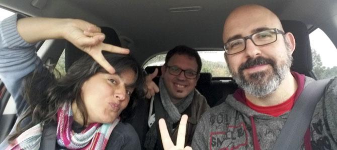 Ángel, Paz y César en el coche
