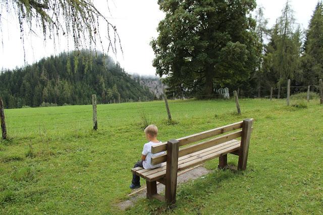 Tipps Wandern mit Kindern Pausen machen Ausflugsziele Ausruestung Oesterreich Jules kleines Freudenhaus