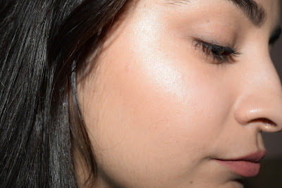 Maybelline Master Strobing Stick Highlighter | Review & Swatches