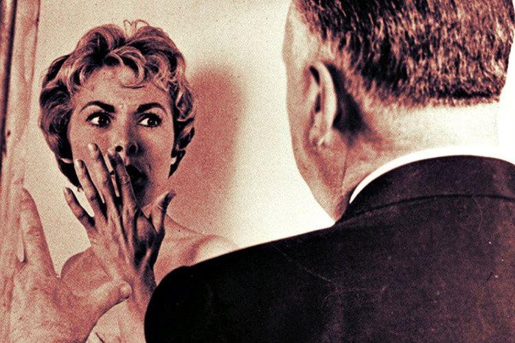 Alfred Hitchcock yönettiği filmlerde de oynardı, Sapık filminde ufak bir rolü bile vardı.