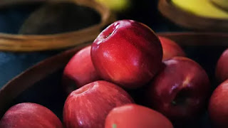 Cara Hilangkan Lapisan Lilin pada Buah Apel