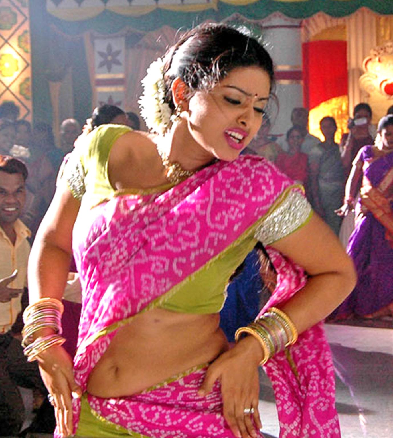 Sneha Roped In For 'Kochadaiyaan'?