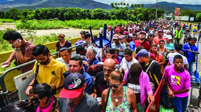 Venezolanos deberán mostrar pasaporte para ingresar a Perú