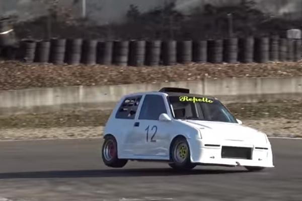 Video Fiat Cinquecento con motor de Kawazaki Ninja