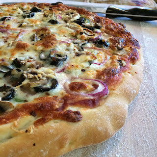 pizza, vegtables, dough, cheese, sauce