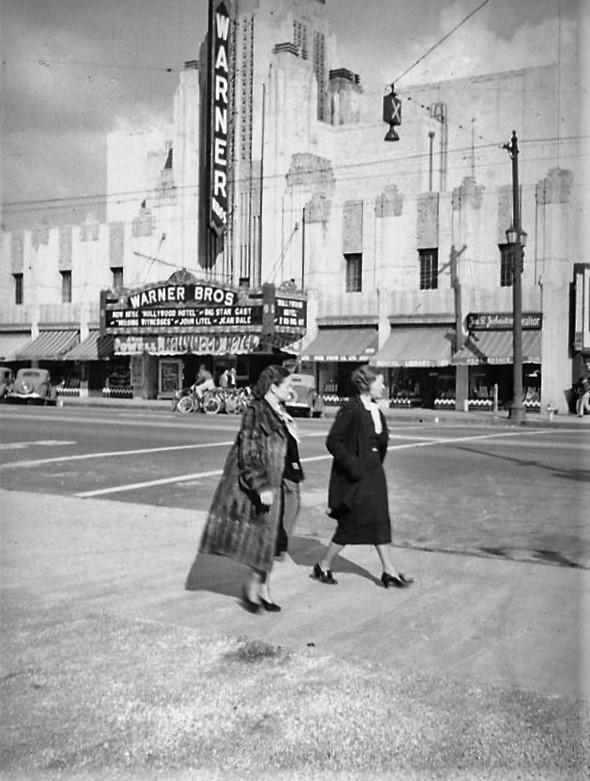 Los Angeles Theatres: Warner Huntington Park: history +