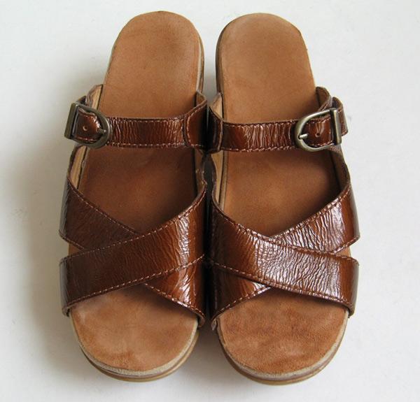 Dansko Patent Leather Metallic Leather Sandals Womens Size