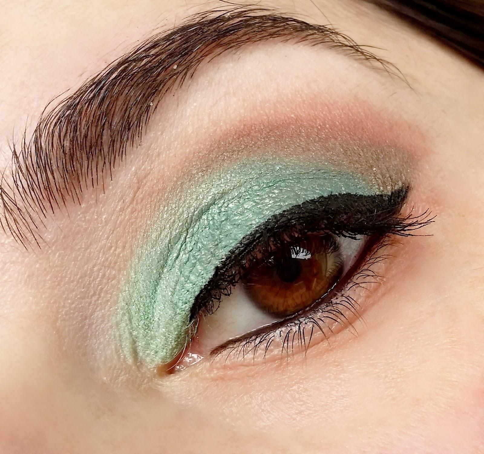 trucco-verde-occhi-marroni