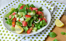 Fattoush Salad Recipe | Fattoush Salad is a Lebanese bread salad - greens, veggies and toasted pita bread pieces are the main ingredients. www.jyotibabel.com