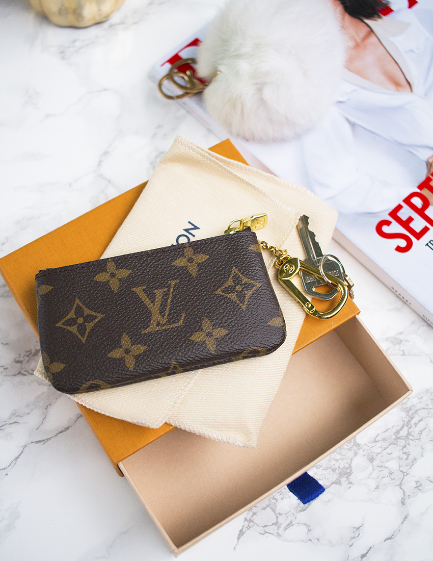 louis vuitton key pouch monogram review